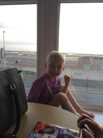 Cowley Hotel: Our family holiday Blackpool 2015
