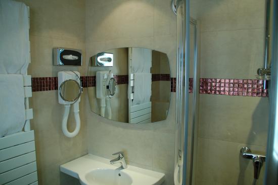 Hotel de la Fontaine (7̶5̶€̶) 67€: Bewertungen, Fotos ...