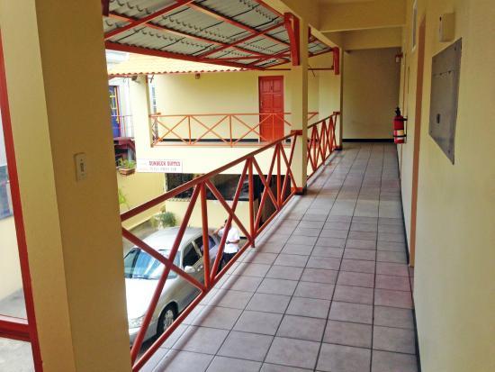 Sundeck Suites: Upstairs Sundeck Suite
