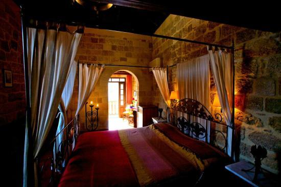 S. Nikolis Hotel: suite