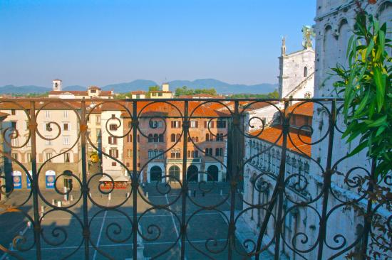 Palazzo Rocchi: View of the square from the terrace