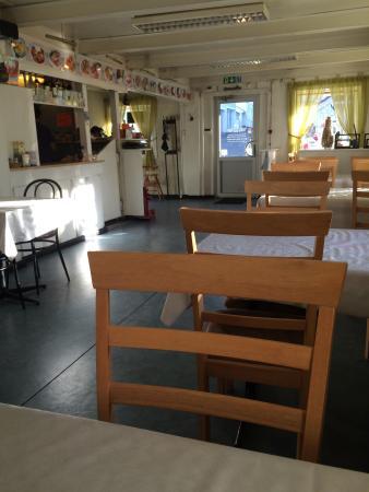 Viet-Thai Restaurant : Dette er plassen for god og rimelig asiatisk mat i Grimstad. Lokalet er hverken stilig eller inn