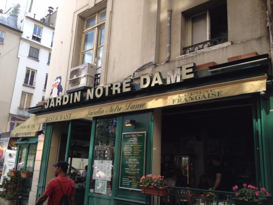 Restaurant jardin notre dame picture of restaurant for Paris restaurant jardin