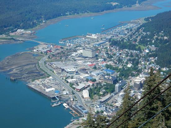 Westmark Baranof Hotel: Vista di Juneau dal Monte Robert