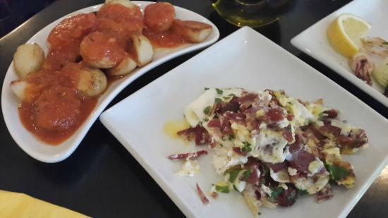 Indaba: Left:PATATAS BRAVAS, Right: 'dish of the day'