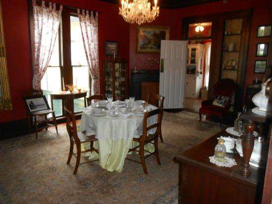 Lilian Place Historic House Dining Room Of