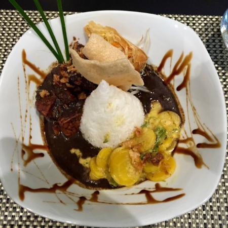 Dapur Indonesia: main course – lunch menu (veggie option)