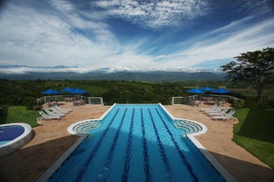 La Tebaida, Colombie : Piscina sin fin
