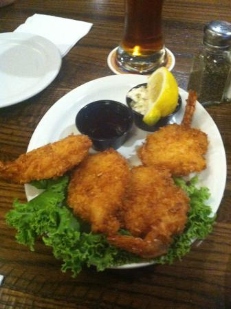 The Montana Club Restaurant: Coconut shrimp with great dipping sauce