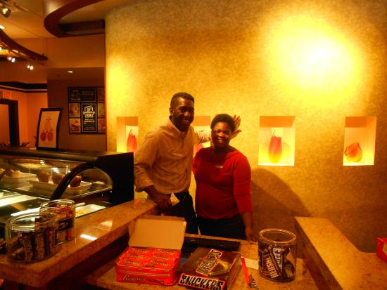 Hyatt Place Charlotte Airport/Lake Pointe : The friendly staff at he front desk