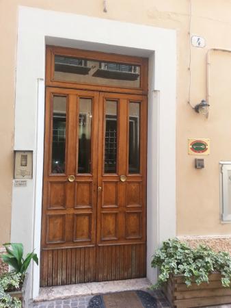 Albergo Al Castello: Porta d'ingresso