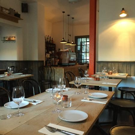 Blackfriars Restaurant: Blackfriars' contemporary decor
