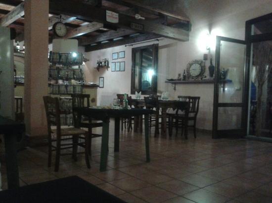 Viddalba, İtalya: Interno