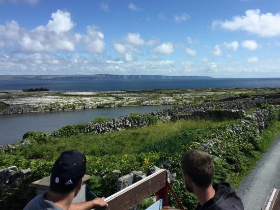 Doolin2Aran Ferries: Inis Oirr wagon tour