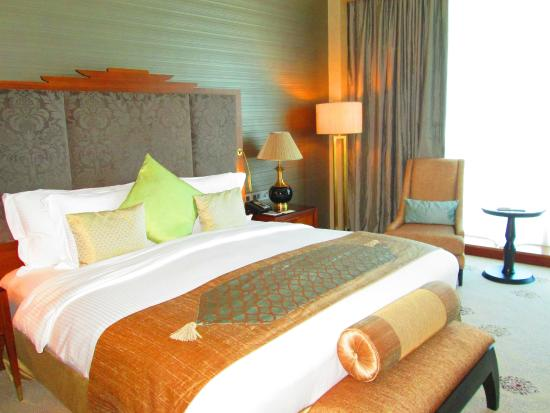 Dusit Thani Abu Dhabi: a view of the room