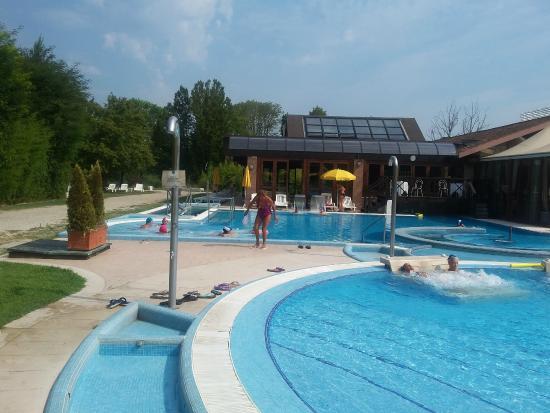 Piscina esterna picture of hotel terme preistoriche montegrotto terme tripadvisor - Montegrotto terme piscina ...