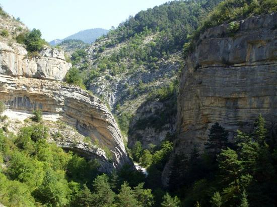 Aspres-sur-Buech, France : les gorges d' Agnielles, escalade et via ferrata à 5kms du camping