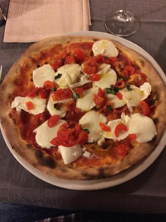Ristorante Pizzeria Cristal: La pizza avec la Mozarella di Buffala