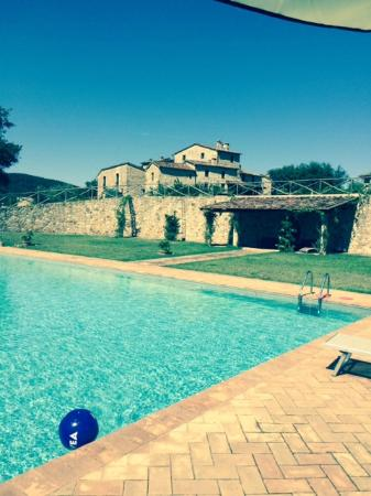 Villa Ferraia: View from the large pool
