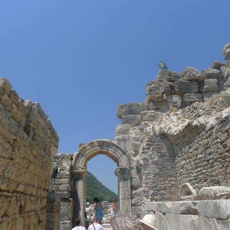 photo0.jpg - Picture of Ancient City of Ephesus, Selcuk ...