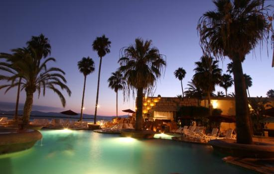 Estero Beach Hotel & Resort: Pool Area View