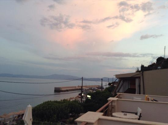 Ilia Mare Hotel: Ένα ήρεμο καλοκαιρινό απόγευμα απο το μπαλκόνι μας.