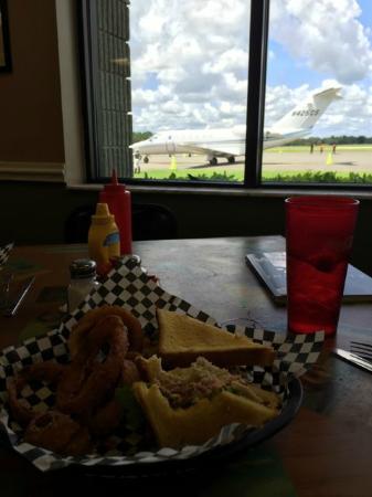Tailwind Cafe