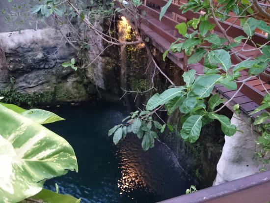 هوتل بوسادا سيان كان: cenote