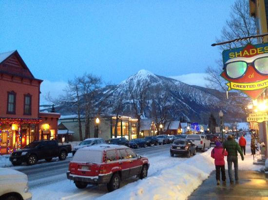 Crested Butte Mountain Resort : Downtown Crested Butte on a POWDER Weekend
