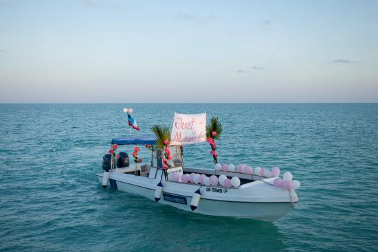 Sunset cruise boat picture of sipadan kapalai dive - Kapalai dive resort price ...