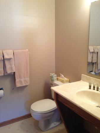 Panora, IA: Bathroom