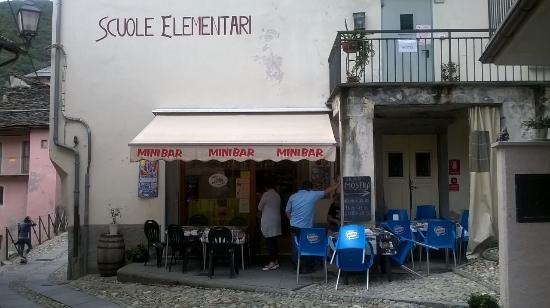 Malesco, Italia: il bar di fuori