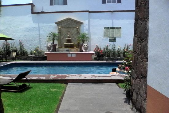 Hotel Portal de Reyes: Alberca limpia