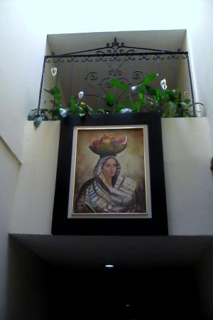 Hotel Portal de Reyes: pasillos bien alumbrados