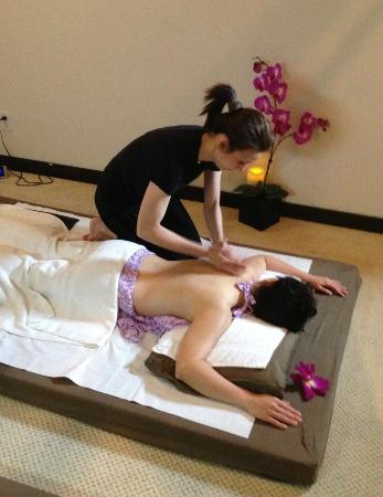 san sabai thai massage thai flagga