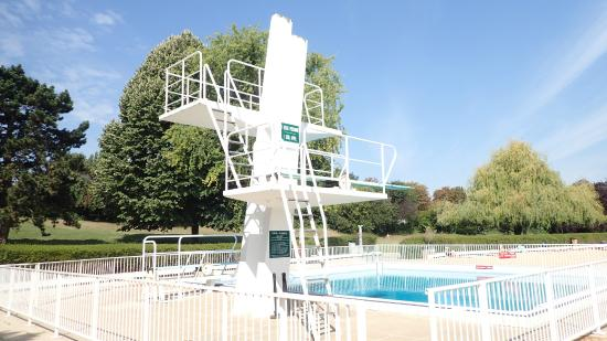 Antony 92 piscine la grenouill re du parc de sceaux for Piscine la grenouillere