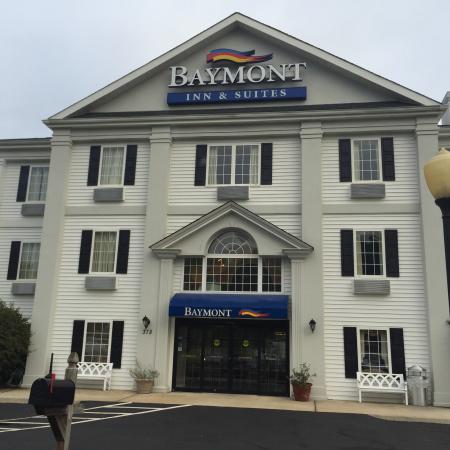 Baymont Inn & Suites Martinsville: photo0.jpg