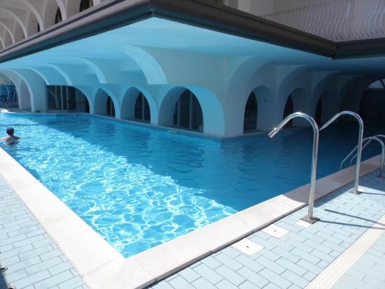 Mayflower Beach Hotel : Piscina