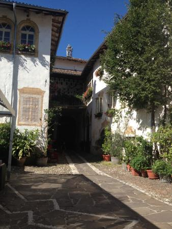 Villa Bertagnolli : Courtyard