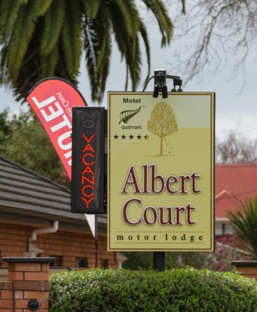 Albert Court Motor Lodge: Albert Court Grey St