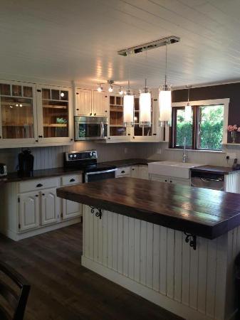 Etonnant Smugglers Cove: Custom Vintage Inspired Cabinets U0026 Kitchens! Built To Suit!