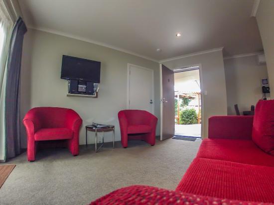Albert Court Motor Lodge: Lounge