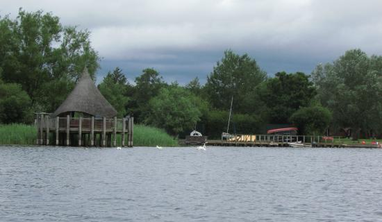 Lakeside Caravan and Camping Park: lake