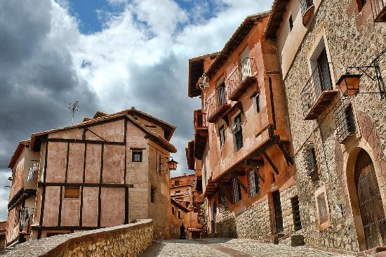 Resultado de imagen de calles de albarracin