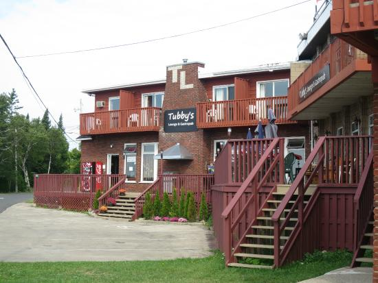 Tobermory Resort, Inn & Suites: outside