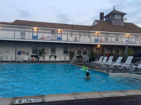 Fire Island Hotel and Resort: pool