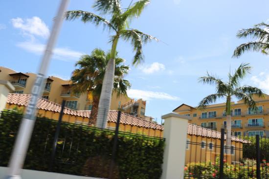 Oceania Deluxe Beachfront Resort by Prestige: Outside of the gate