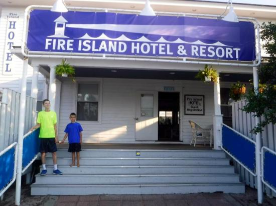 Fire Island Hotel and Resort: Greetings :)