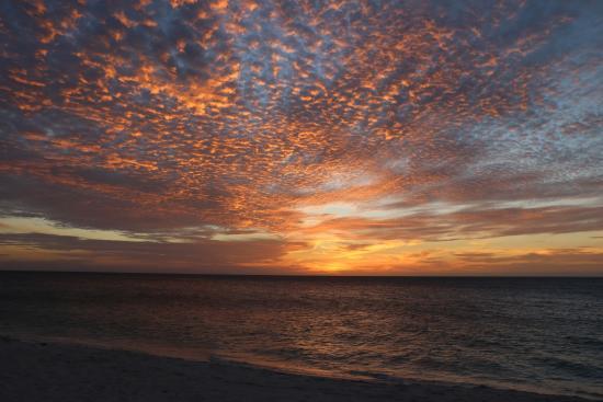 Oceania Deluxe Beachfront Resort by Prestige: Sunset