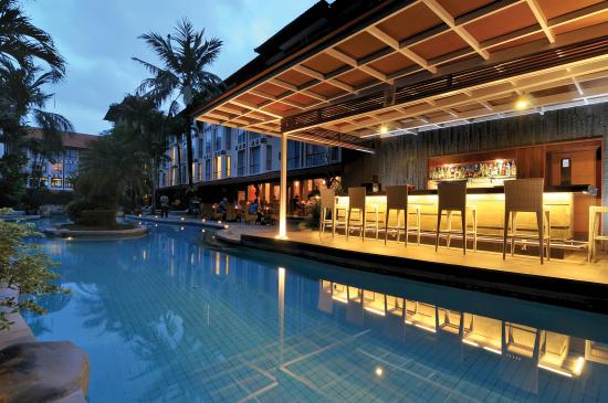 Sanur Paradise Plaza Hotel : Pool Bar